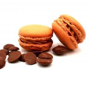 photo macaron saveur chocolat au lait